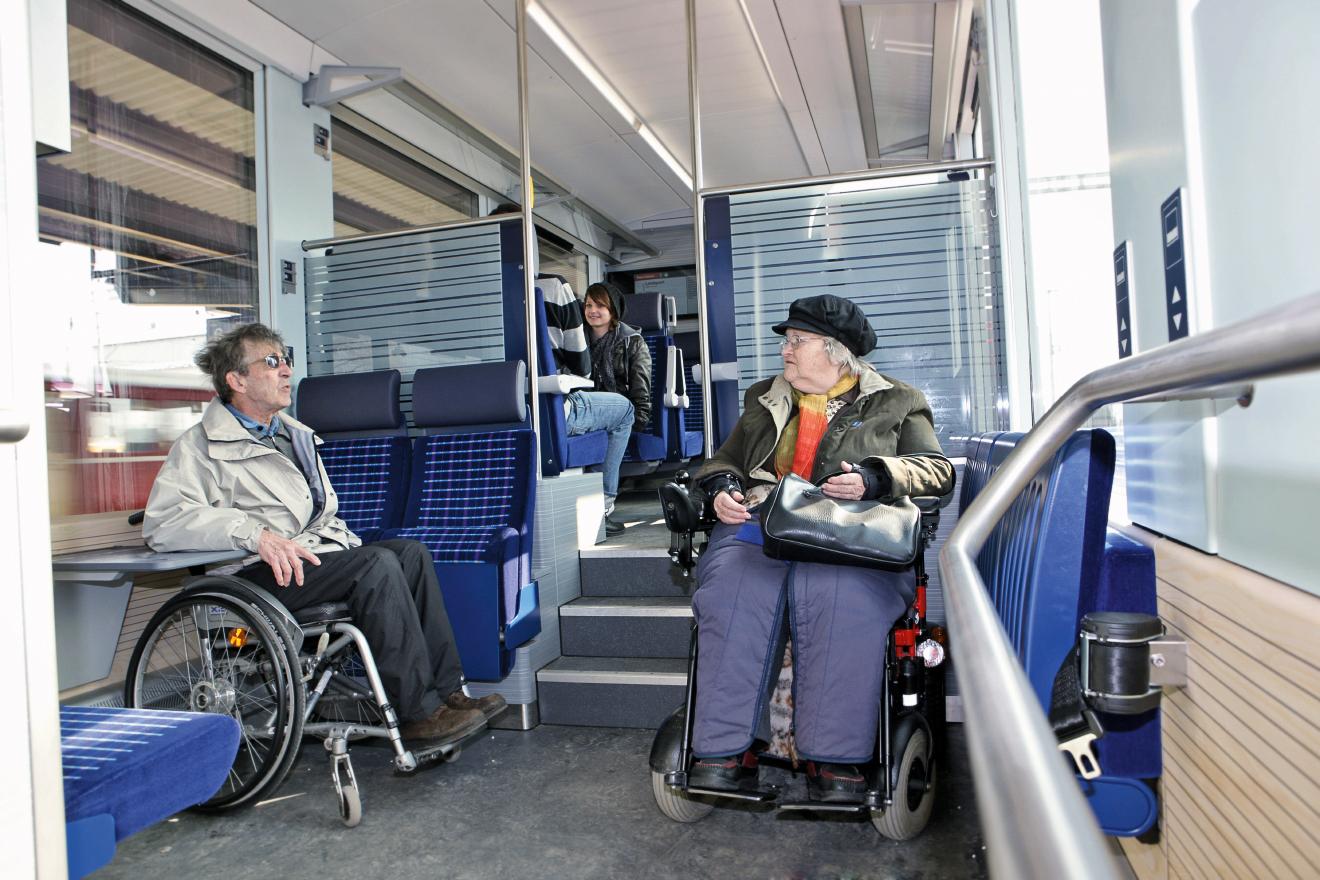 Viaggiatori con handicap ferrovia retica sa - Immagini del treno per colorare ...